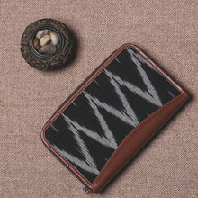 Load image into Gallery viewer, Ikat Black ZigZag Chain Wallet