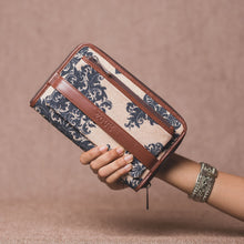 Load image into Gallery viewer, Classic Zipper Wallet - Mughal Motif