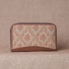 Load image into Gallery viewer, Wallets for girls - Beige Petal