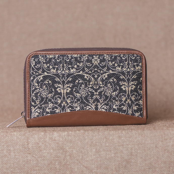 Lattice Lace Chain Wallet