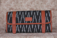 IKat Print Travel Pouch