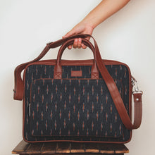 Load image into Gallery viewer, Ikat GreRe Laptop Bag
