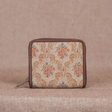 Load image into Gallery viewer, Beige Petal Motif Women's Mini Wallet