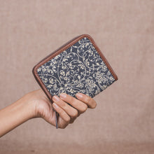 Load image into Gallery viewer, Lattice Lace Women's Mini Wallet