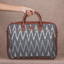 Ikat Gret MultiWave Laptop Bag