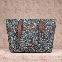 Load image into Gallery viewer, Lattice Lace Tote Bag