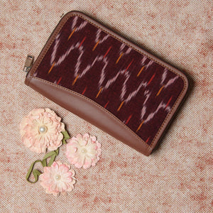 Ikat Brown Multi Wave Chain Wallet