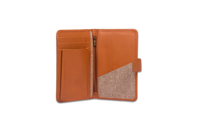 Zouk Beige Basic Passport Holder