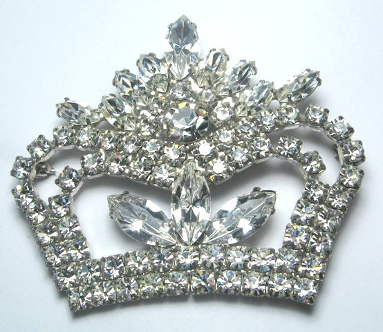 Fascination Crown Pin