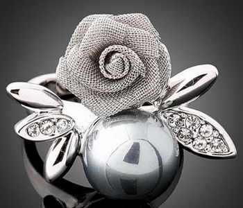 Mesh Rose with Pearl Ring - Gold or Silver Size 7-10