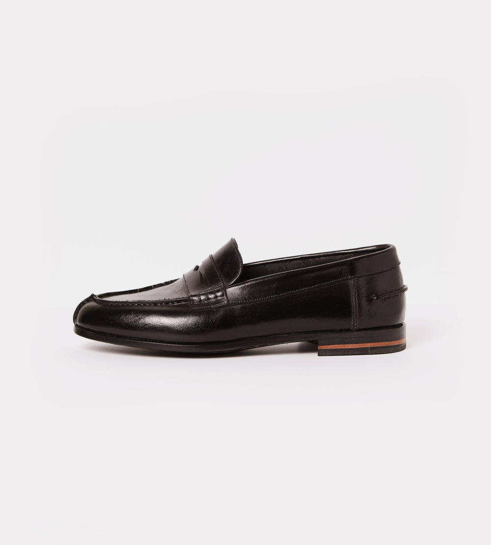 Black calf leather moccasin outside view