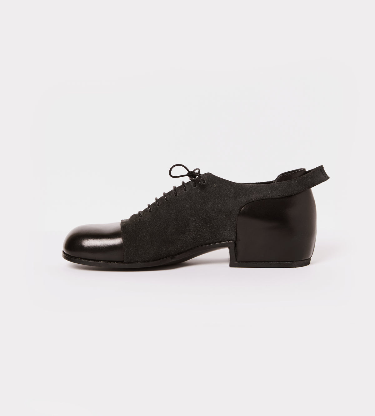 Black leather-suede lace up shoe inside view