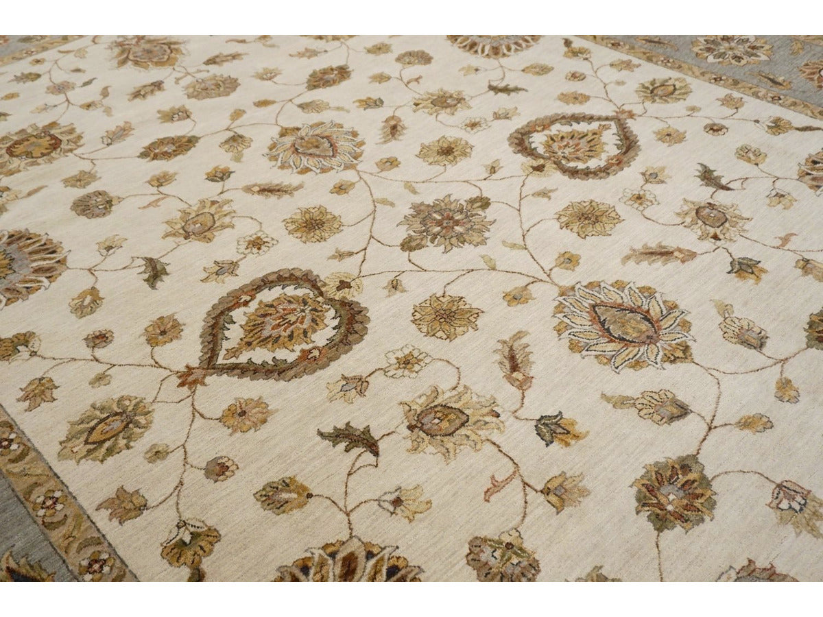 Large Classic Agra Carpet - Rugs of Petworth