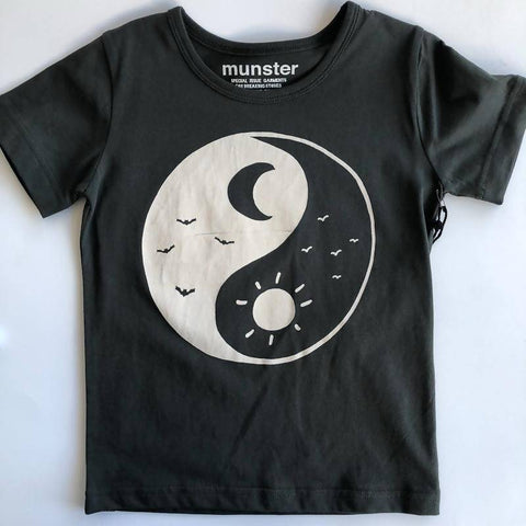 Munster Moon Tee Black