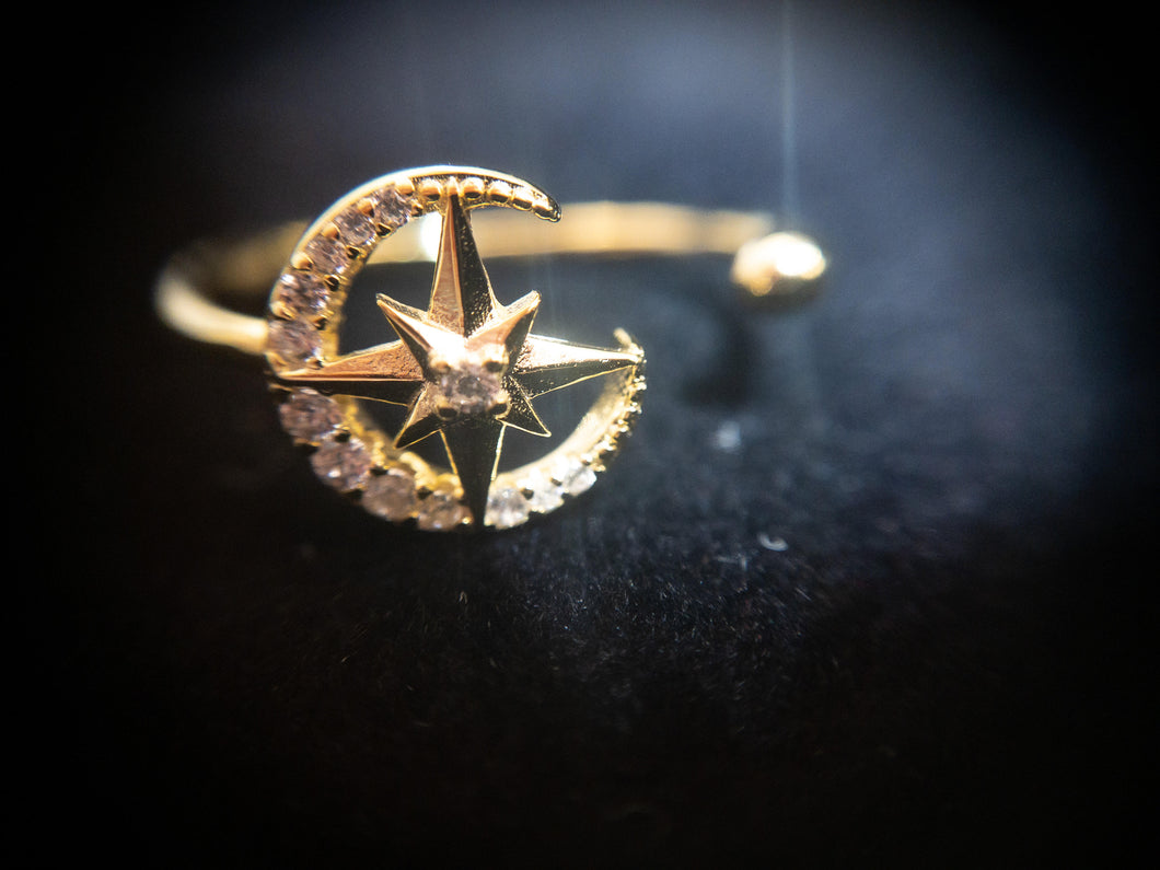 Shinning Moon Open Ring. Tataita. RD$ 952.