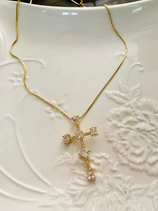 Cross Necklace. Tataita. RD$ 1300.