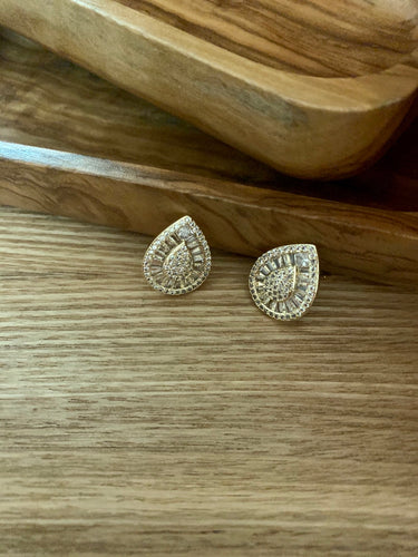 Shinning Teardrop Earrings. Tataita. RD$ 1062.