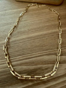 Link Chunky Chocker Necklace with Cubic Zircoin. Tataita. RD$ 1800.