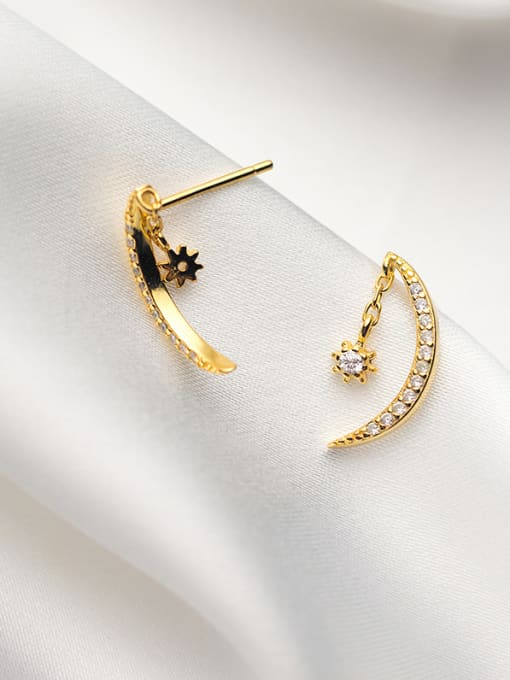 Moon Drop Earrings. Tataita. RD$ 800.