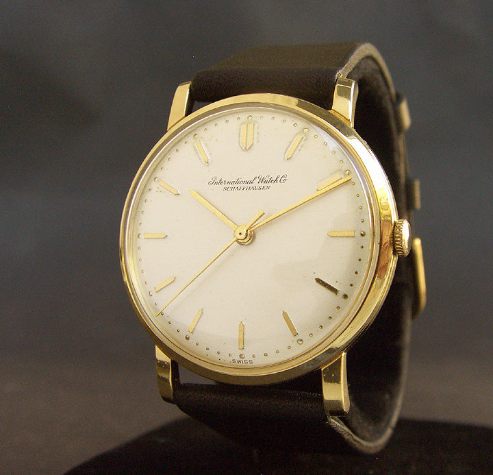 1970 IWC Schaffhausen 18K Gold Vintage Gents Watch Ref. 2400