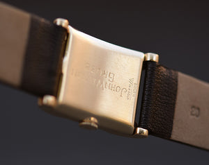1946 GRUEN Curvex 14K Solid Gold Gents Watch