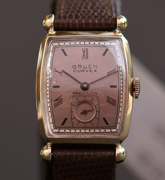 1945 GRUEN Curvex 14K Solid Gold Gents Watch