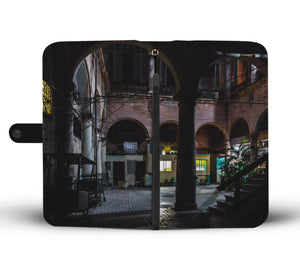 Custom wallet case. Original photography. Interior Patio. Havana.