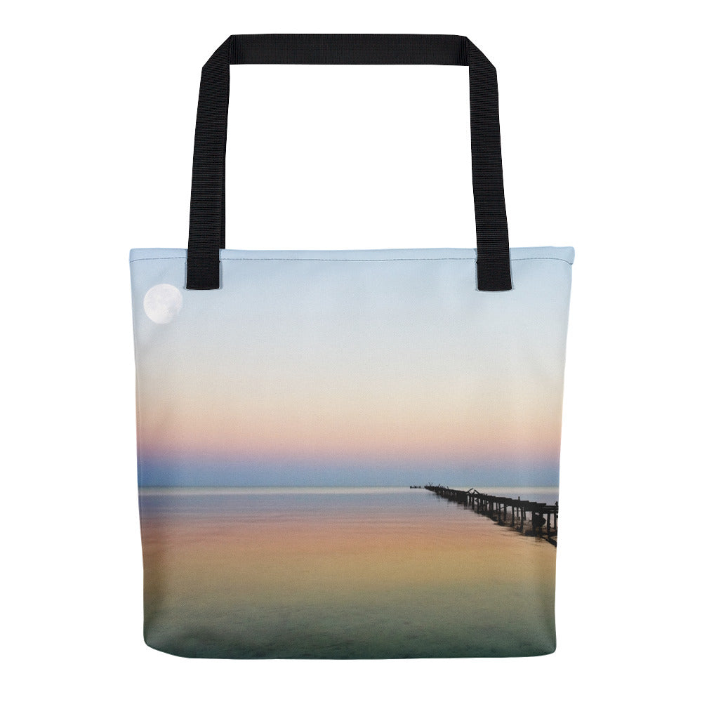 Tote bag.  Island of Youth, Cuba. Photo by Studio Gavilondo.