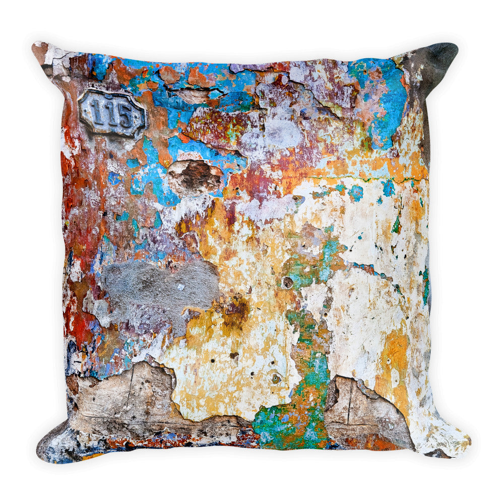 Square Pillow. Havana wall. Original image by Studio Gavilondo.