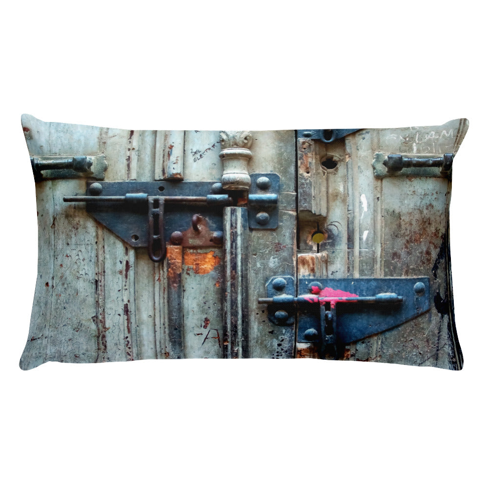 Locks, Havana. Basic Pillow