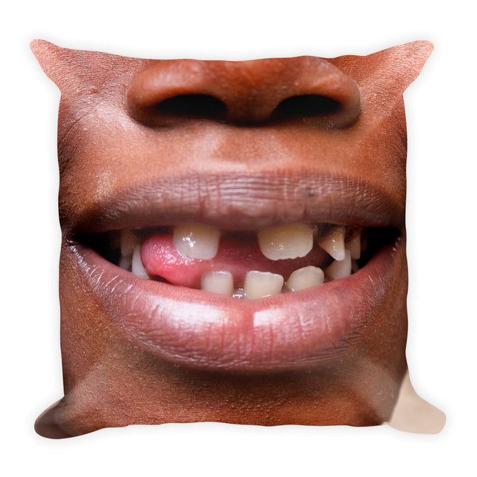 Square Pillow. Zimbabue's mouth.