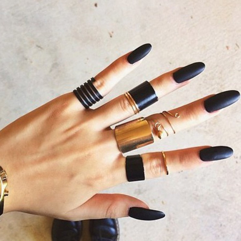 Black knuckle ring