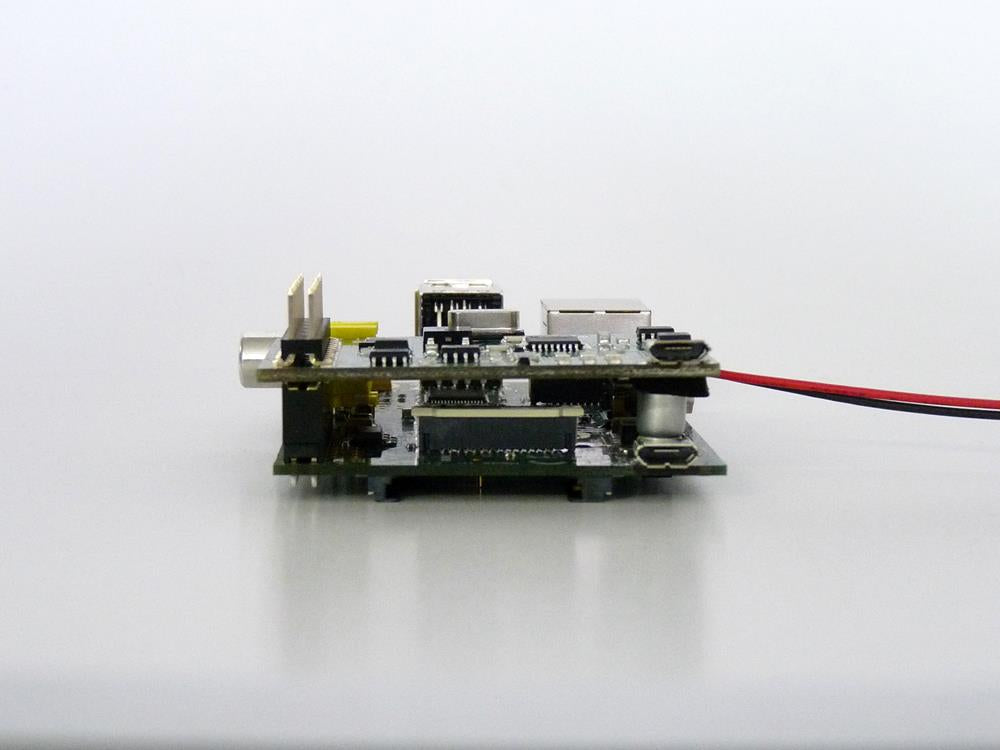 Pi UPS Uninterrupted Power Supply with Pi Side View