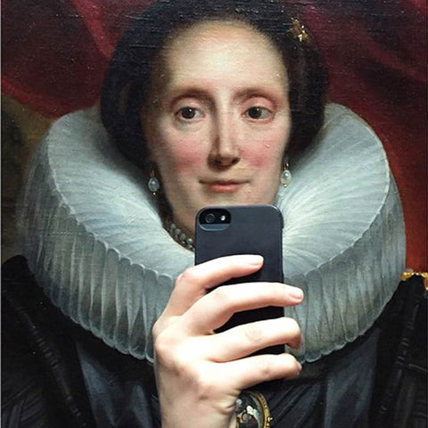 take selfie - nobilified