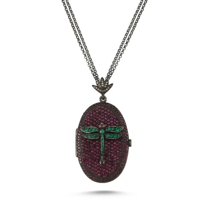 Libellule Locket. Oxidised silver with gold leaf. 0,25ct diamonds with rose crystals and green crystals. Chain: Oxidised silver