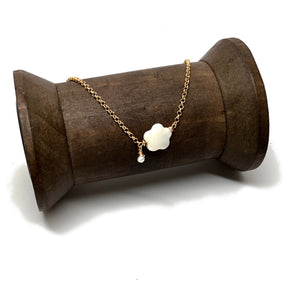 Mother Pearl Flower Necklace