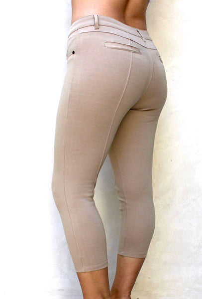 P703 Capri Leggings (More color options) - FashionPosh