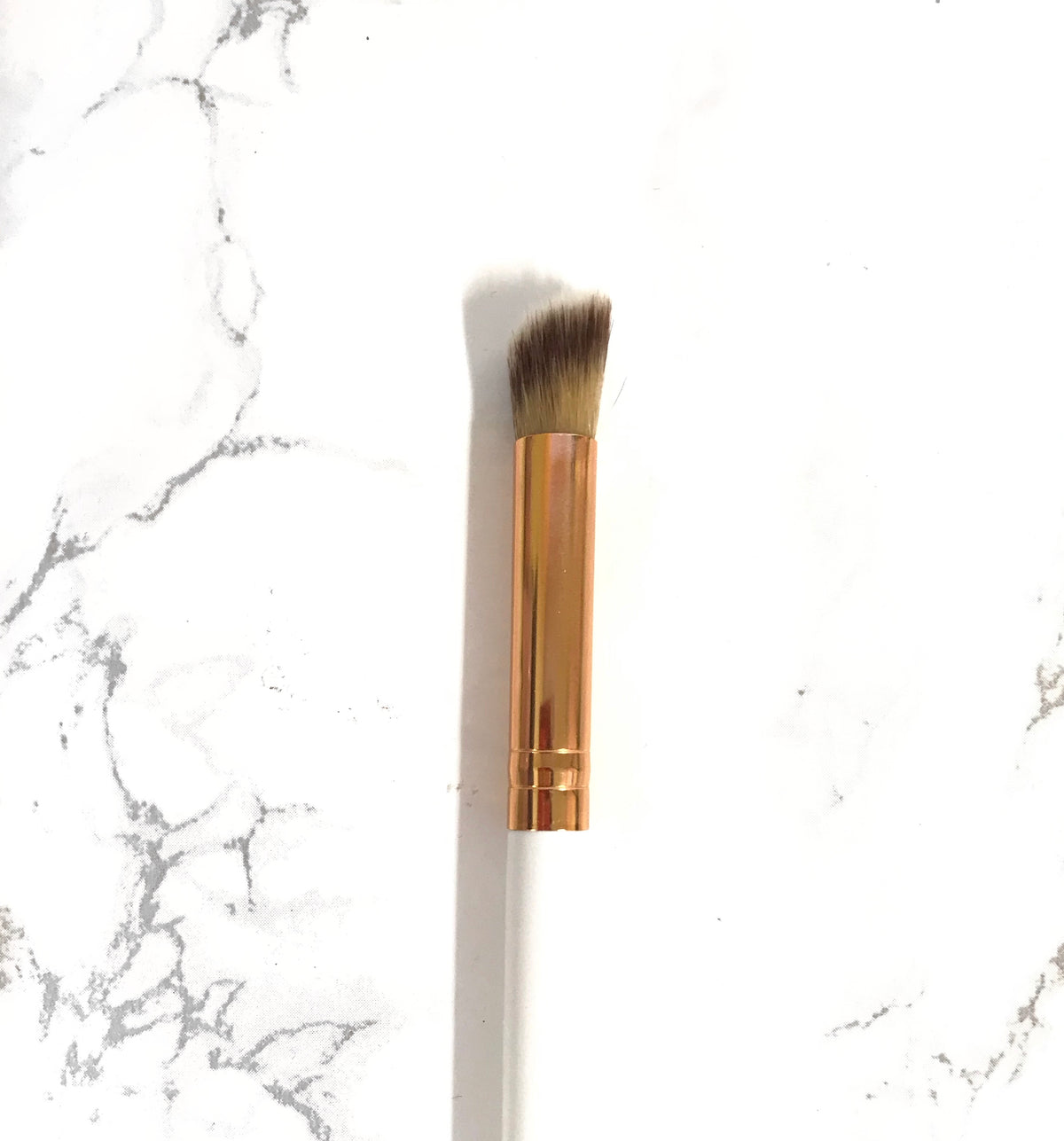 Lexi Noel Beauty Eye Contour Brush - lexinoelbeauty.com