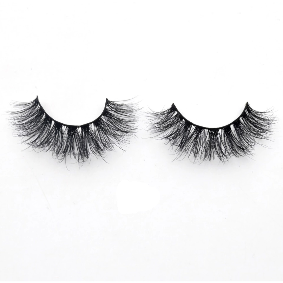 Girls Night Out  3D Mink Lashes - lexinoelbeauty.com