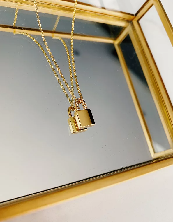 Gold-plated padlock necklace