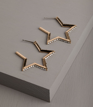 Sparkle Star Earrings in gold