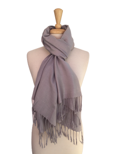 FA09 - Solid Wrap with Fringe