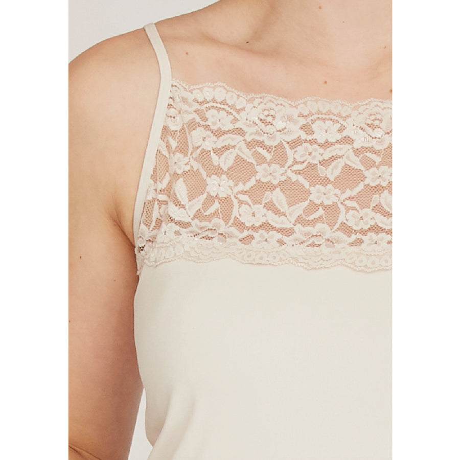 Nilla Wide Lace Top - Sand