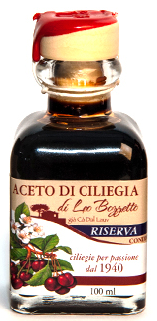 Maargo' Balsamic Cherry Vinegar 17 years old .  Exceptional, unique product in the world, Riserva 100 ML