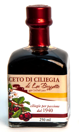 Balsamic Cherry Vinegar 12 years old .  Exceptional, unique product in the world, Premium/ Condimento 250 ML