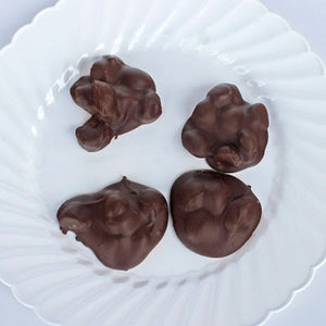 Hawaii's Favorite ... Macadamia Nut Clusters (Milk Chocolate)