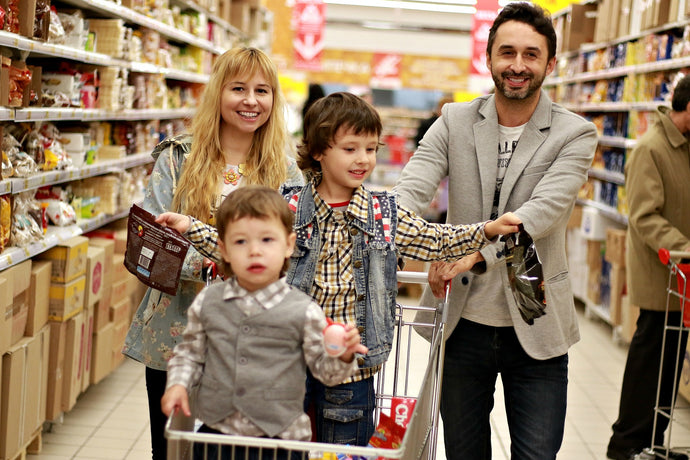 TOMATOES VS SCREEN TIME - TIPS TO SURVIVE GROCERY SHOPPING WITH KIDS