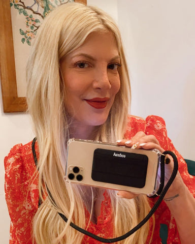 tori-spelling-phone-case-with-strap-and-wallet