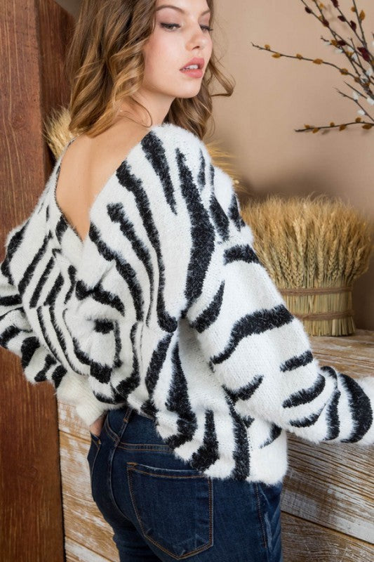 Zebra Twist Sweater - Mint Leafe Boutique