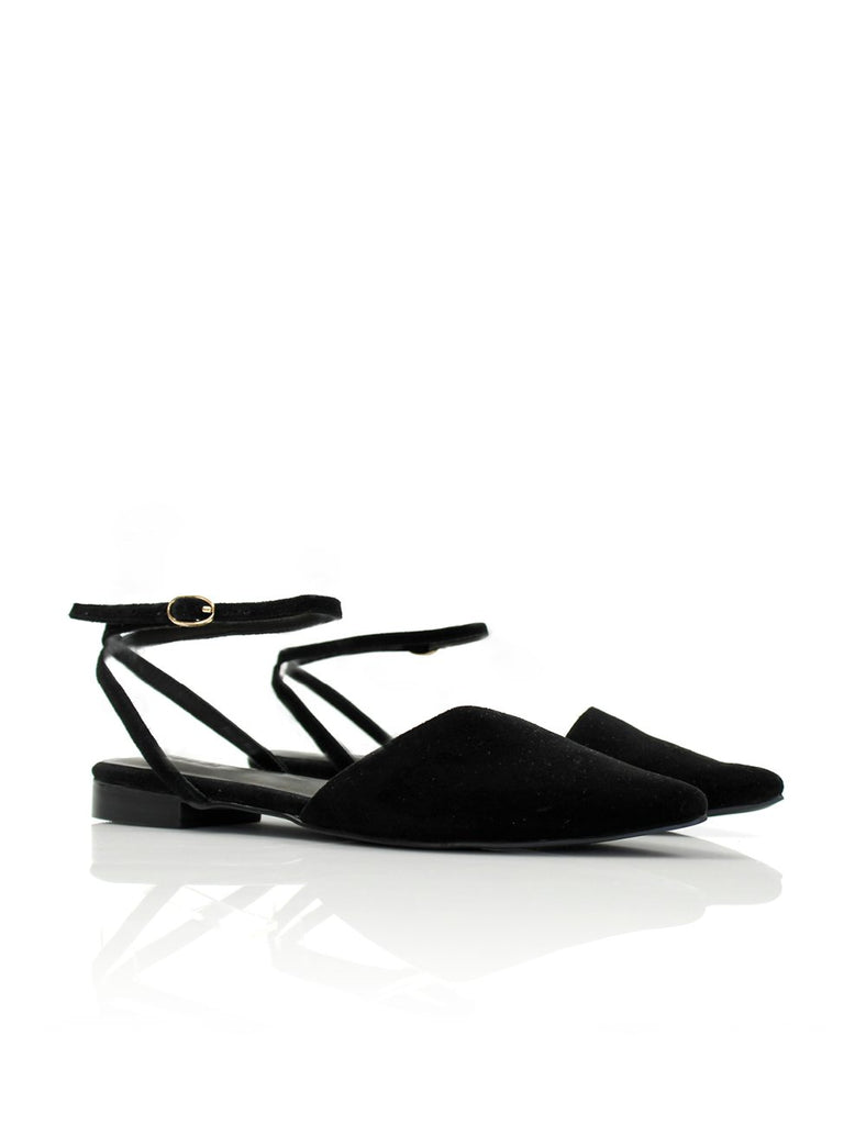 Pointed Flat in Black